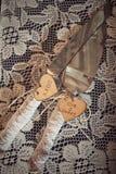 婚礼刀子和蛋糕服务器 库存图片