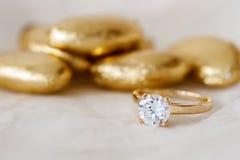 婚礼厚待和圆环 免版税库存照片