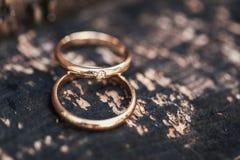 婚礼圆环whooden 图库摄影