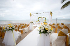 婚礼在海滩的设定细节 免版税图库摄影