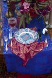 婚礼摩洛哥窗框的桌安排 免版税图库摄影