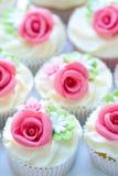 婚礼杯形蛋糕 免版税图库摄影