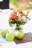 婚礼桌焦点 免版税库存图片