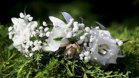 婚礼的地方用许多花装饰 婚礼地方  婚姻的装饰 股票录像