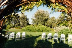 婚礼的地方草的 免版税库存图片