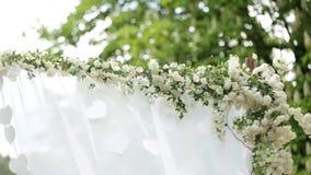 婚礼的,婚礼曲拱背景花 股票视频