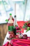 婚礼罚款用餐的桌集合或在红颜色的另一个承办宴席的事件 图库摄影