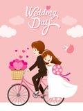 婚礼邀请卡片,新娘,新郎骑马自行车 免版税库存照片