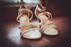 婚礼鞋子,一个新的新娘的 库存图片