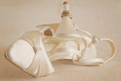 婚礼鞋子 免版税库存图片