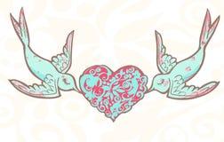 婚姻与被仿造的心脏的恋人鸟 免版税库存照片