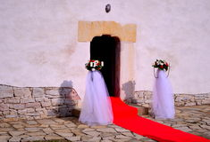 婚姻-教会入口 库存图片