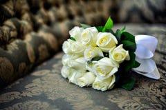 婚姻白色的花束玫瑰 免版税图库摄影