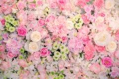 婚姻的场面的美好的花背景 免版税图库摄影