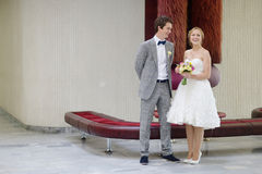 结婚年轻的夫妇 图库摄影