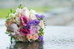 婚姻的新娘花束 免版税库存照片