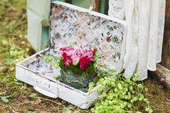 婚姻的花卉装饰构成 库存照片