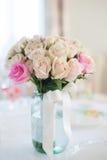 婚姻花束中央dof花焦点低点的玫瑰 库存照片