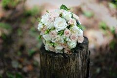 婚姻花束新娘的环形 库存图片