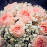 婚姻花束桃红色的玫瑰 免版税图库摄影