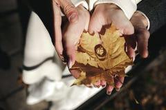 婚姻金黄的环形 免版税库存照片