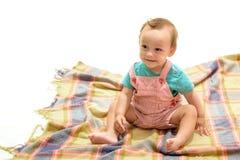婴儿生活 早期儿童发育 愉快的小孩 可爱的小婴孩 小男孩孩子 可爱宝贝坐  免版税库存照片