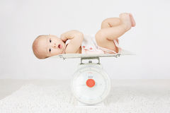 婴儿磅秤称 库存照片