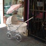 婴儿车在开普敦 免版税库存照片