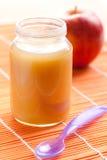 婴儿食品玻璃瓶子 免版税库存照片