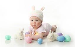 婴孩兔宝宝复活节 免版税库存照片