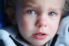 婴孩哭泣 免版税库存照片
