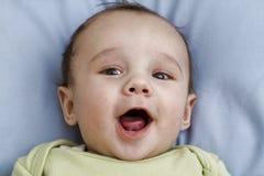 婴孩大微笑 免版税库存图片