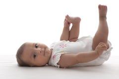婴孩对一负的英尺女孩骄傲 免版税库存照片