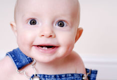 婴孩微笑牙 库存图片