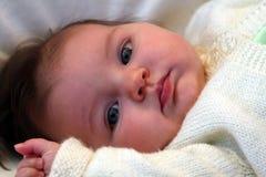 婴孩注视 库存照片