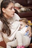婴孩牛奶吮 免版税库存图片