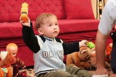 婴孩白肤金发的男孩一点 免版税库存照片