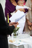 婴孩的洗礼仪式 图库摄影