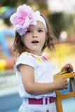 婴孩美丽的女孩惊奇 免版税库存照片