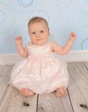 婴孩美好照相机女孩微笑 免版税库存照片