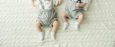 婴孩英尺 愉快概念的系列 母道的美好的概念性图象 免版税库存图片