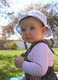 婴孩草坪 库存图片