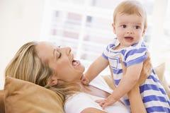 婴孩藏品生存母亲空间 库存图片