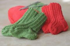 婴孩被编织的袜子 库存图片