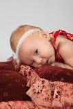 婴孩逗人喜爱的女孩年轻人 库存照片
