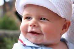 婴孩面带笑容 免版税库存图片