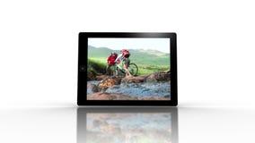 媒介显示室外冒险的设备屏幕 影视素材
