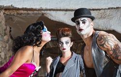 嫉妒的Cirque小丑 免版税库存图片