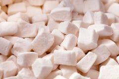 嫩白色蛋白软糖片背景 免版税图库摄影