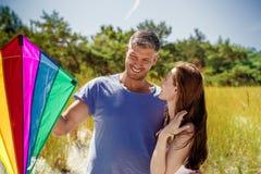 嬉戏夫妇的乐趣 免版税库存图片